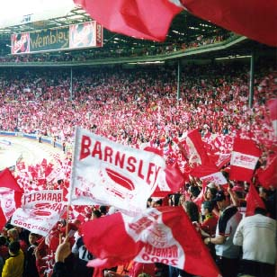 Barnsley fans at Wembley 2000