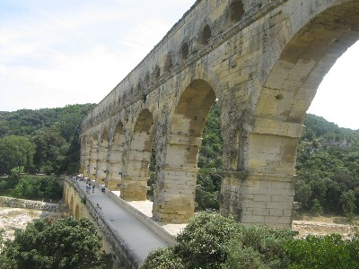 le pont dugard